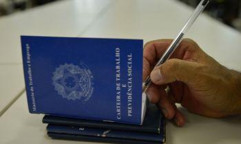 Emprego mantém trajetória de recuperação em Sergipe