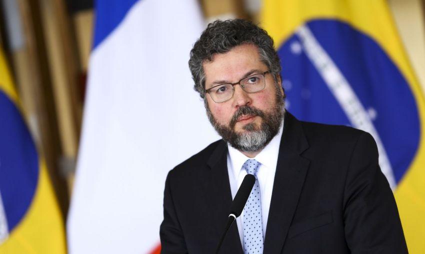 Nem bolsonaristas no Congresso saem em defesa de Ernesto Araújo em meio à pressão para derrubá-lo
