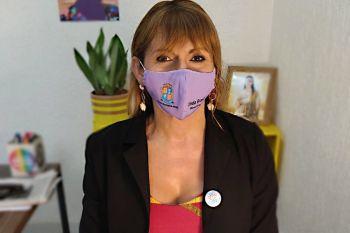Linda Brasil cobra prioridade de vacinação para população com HIV/AIDS