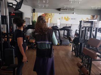 Procon Aracaju fiscaliza academias de musculação durante toda a semana