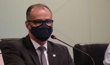 Covid-19 : 'situação está longe do fim', diz presidente da Anvisa