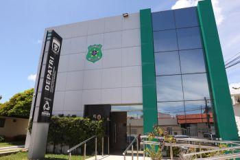 PC prende em flagrante mulher que comprava pelo WhatsApp com falsos depósitos bancários em Aracaju