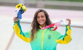 Rayssa Leal se torna a medalhista mais jovem da história do Brasil