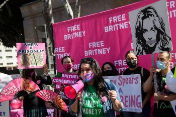 Pai de Britney Spears desiste de ser tutor da cantora