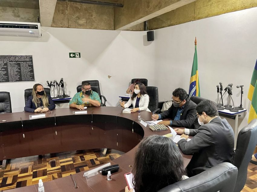 Livro que aborda os cinemas aracajuanos durante a II Guerra é apresentado ao Conselho Estadual de Cultura de SE